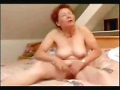 Incredible Orgasmus Of Older Woman