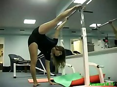 Flexible Gymnast Kamasutra Gets Fucked And Does Blowjob