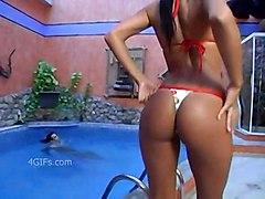 Emmanuelle Grinds