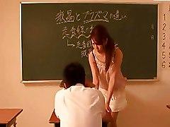 Shameless Actress Shiori Tsukimi