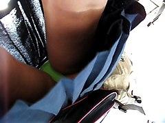 Up Skirt  Bajo Falda 73