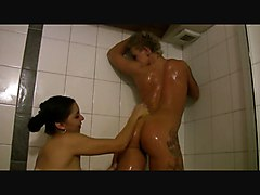 Two Hottys In The Bathtub Part 1of
