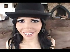 Rebeca Linares - Caliente