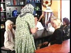 Zum Kaffeekraenzchen Bei Versauten Omis