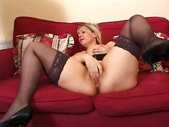 Mature Bitch Shows Her Sex Skills