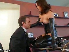 Hot Tart In Latex Craves Anal Fuck