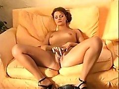 Girl\s Orgasm